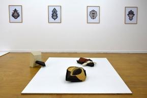 Semblables - 2017 - vue de l'installation - exposition personnelle suite à une résidence de 3 mois à l'EMBAC - dans le cadre de la biennale internationale de céramique de Châteauroux - galerie Marcel Duchamp, école municipale des beaux-arts de Châteauroux