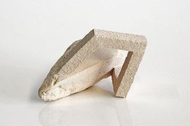 Archisteroid #11 – 2018 – grès blanc chamotté, modelage – h. 9 x 13 x 12 cm