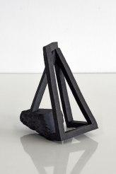 Archisteroid #14 – 2018 – grès noir chamotté, modelage – h. 17 x 14 x 11 cm