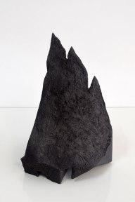 Cornice #1 - grès noir chamotté, modelage - h.44 x 25 x 23 cm