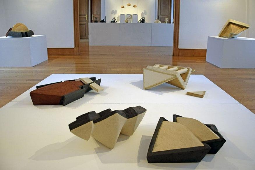 """Vue de l'exposition """"Réciproque"""" - 2019 - salle premier étage - Espace Gainville - Aulnay-sous-Bois"""