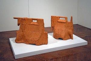 """""""Sans titre"""", 2013, terre de brique, moulage et modelage - vue de l'exposition """"Réciproque"""" - 2019 - Espace Gainville - Aulnay-sous-Bois"""