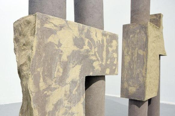 """""""Architectures sédimentaires #3"""" (détail) - 2019 - grès beige et gris chamottés, modelage"""