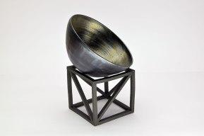 Parabols - 2019 - modelage, tournage, grès noir chamotté, émail - dimensions variables