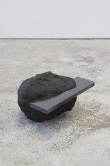Capture #2 - 2020 - modelage, grès noir chamotté, émail noir mordoré - h. 23 x 28 x 35 cm