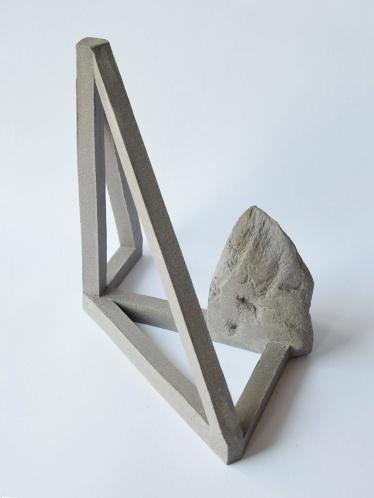 Archisteroid grise #3 - 2020 - modelage, grès gris chamotté - h. 20 x l. 17 x L. 19 cm