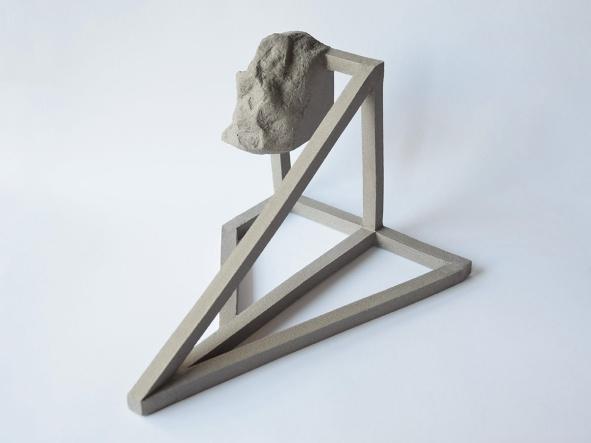 Archisteroid grise #5 - 2020 - modelage, grès gris chamotté - h. 30 x l. 19 x L. 22 cm