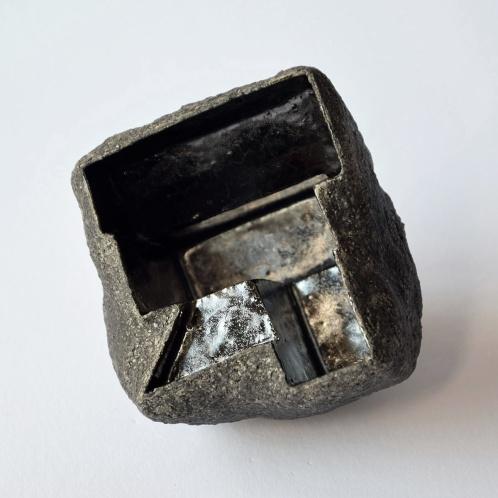 Architeorite bronze #5 - 2020 - modelage, grès blanc chamotté, émaux - 8 x 8 x 8 cm