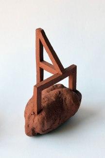 Les feus lotis (détail) - 240 éléments - modelage - grès rouge - h. 15 x 10 x 10 cm